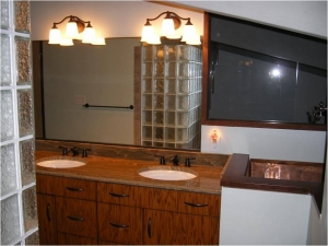 An Outdated Bathroom Gets a New Life