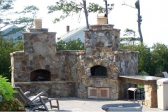 outdoor-living-showing-pizza-oven-and-fireplace