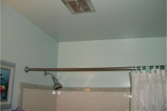 small-bathroom-remodel-before-2